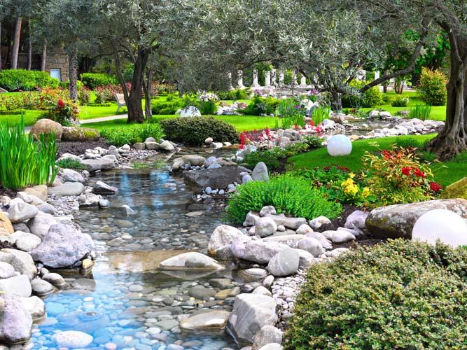 Река в каменном саду